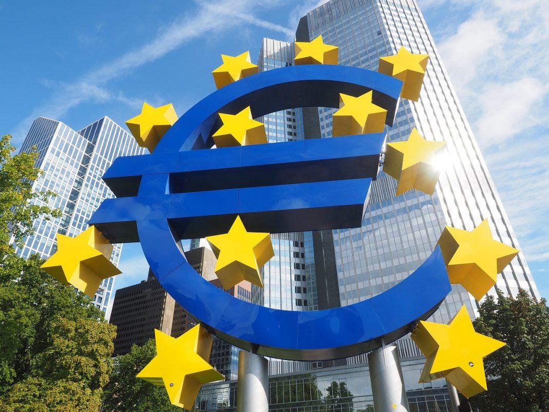 euro-sculpture-2867925_1280