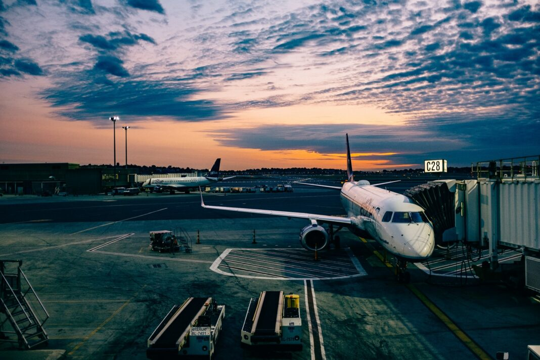 letadlo, cestování, letiště